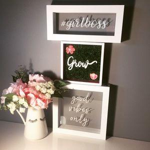 Happy Poshing Girl Boss!